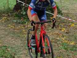 <a href='/uploaded/photo/2016-saumur-cyclo-cross-5803d1a16cfda.jpg' style='color : #fff;'>(Télécharger)</a>