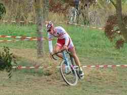 <a href='/uploaded/photo/2016-saumur-cyclo-cross-5803d1ad3b2ae.jpg' style='color : #fff;'>(Télécharger)</a>