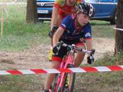 <a href='/uploaded/photo/2016-saumur-cyclo-cross-5803d1b0129ff.jpg' style='color : #fff;'>(Télécharger)</a>