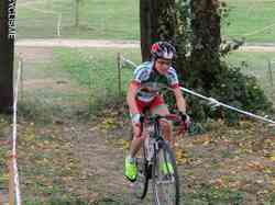 <a href='/uploaded/photo/2016-saumur-cyclo-cross-5803d1beb012f.jpg' style='color : #fff;'>(Télécharger)</a>