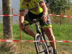 <a href='/uploaded/photo/2016-saumur-cyclo-cross-5803d2329b882.jpg' style='color : #fff;'>(Télécharger)</a>