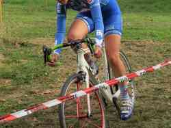 <a href='/uploaded/photo/2016-saumur-cyclo-cross-5803d2438ad11.jpg' style='color : #fff;'>(Télécharger)</a>