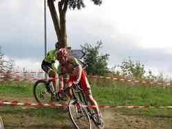 <a href='/uploaded/photo/2016-saumur-cyclo-cross-5803d2810bf65.jpg' style='color : #fff;'>(Télécharger)</a>