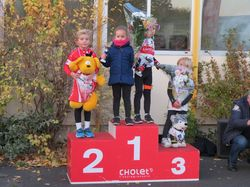 <a href='/uploaded/photo/2016-top-40-cholet-581713efabf18.jpg' style='color : #fff;'>(Télécharger)</a>